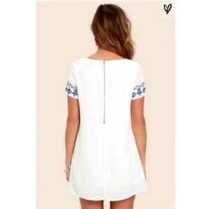 """Lulu's Dresses - Lulu's """"Tale to Tell"""" Embroidered Shift Dress"""